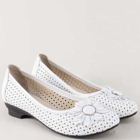 Дамски обувки на нисък ток от бяла естествена кожа n280b