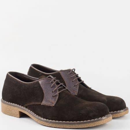 Тъмно кафяви мъжки обувки с връзки от естествен велур и каучук- шити n30vkk