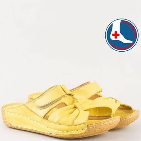 Жълти дамски чехли от естествена кожа на шито ходило n620j