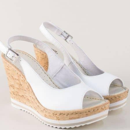 Дамски сандали на висока платформа от естествена кожа в бял цвят nn101b