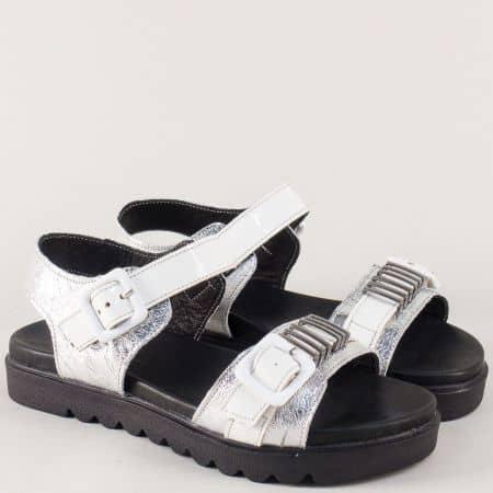 Равни дамски сандали в бяло и сребро с кожена стелка nn503sr