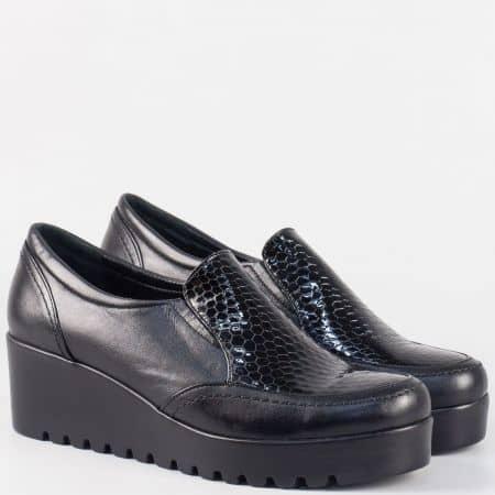 Дамски черни обувки на клин ходило от естествена кожа и лак nn600ch