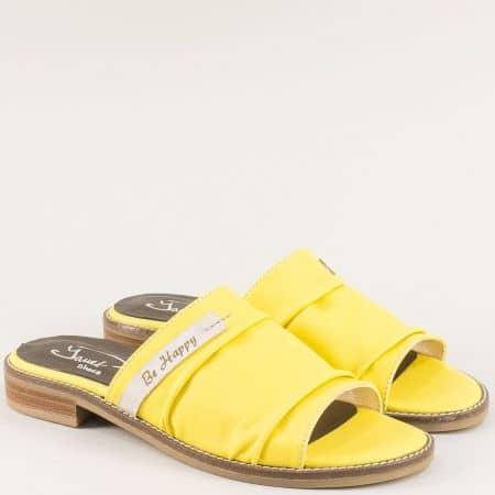 Жълти дамски чехли от есетствена кожа на равно ходило noirej