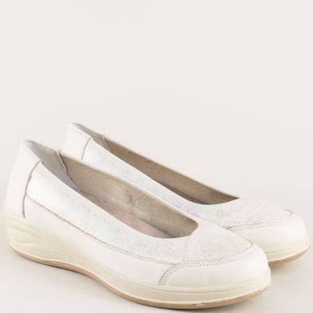 Ортопедични дамски обувки в бежов цвят с кожена стелка oe262bj