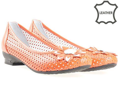 Кожени дамски обувки в оранж с лазерна перфорация n280o