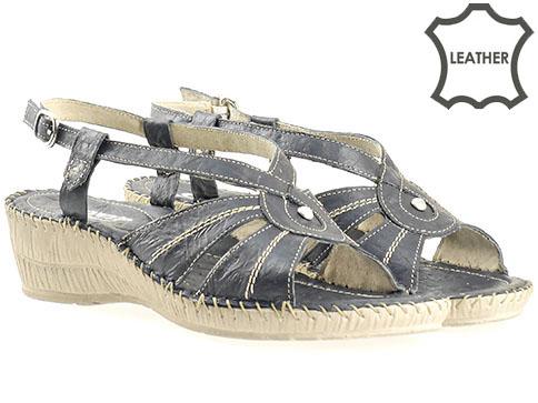 Удобни и качествени дамски сандали с анатомична стелка, изработени от тъмно синя естествена кожа 8450s