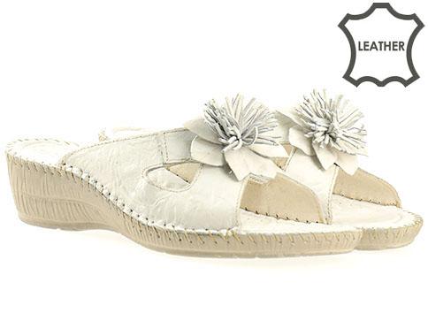 Ортопедични дамски чехли от естествена кожа в бял цвят, произведени в Пещера 8469b
