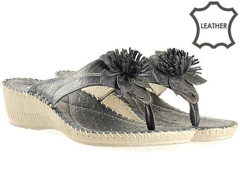 Комфортни дамски чехли от естествена кожа в черен цвят, произведени в Пещера 8470ch