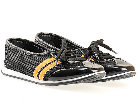 Меки и удобни спортни дамски обувки с връзки, изпълнени в оранжево - черна цветова комбинация 080615cho