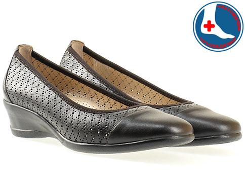 Ежедневни дамски обувки на ортопедично меко ходило с ефектна перфорация в кафяв цвят z07097k