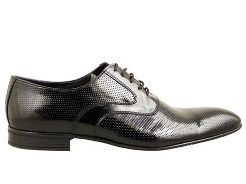 Мъжки елегантни обувки с комфортно ходило и връзки, изработени от естествен лак в черен цвят 6167lch