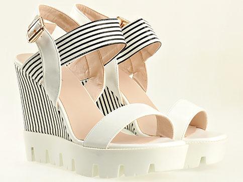 Атрактивен модел дамски сандали на платформа 157170b