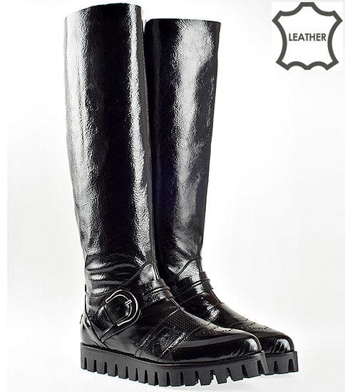 Модерни дамски ботуши от естествен лак с заострена визия 5629520lch