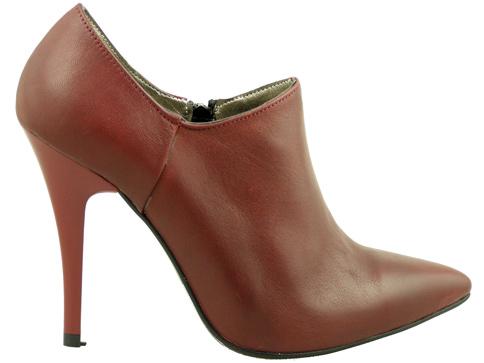 Семпли и стилни остри дамски обувки 0012bd