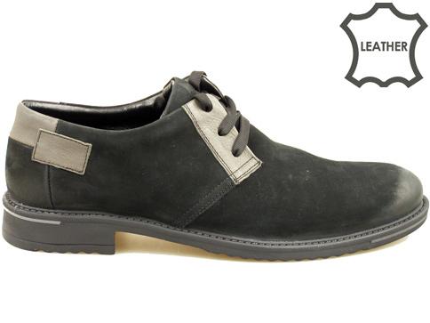 Ефектни мъжки обувки с връзки, изработени от черен естествен  велур с интересни сиви кръпки 69551nchsv