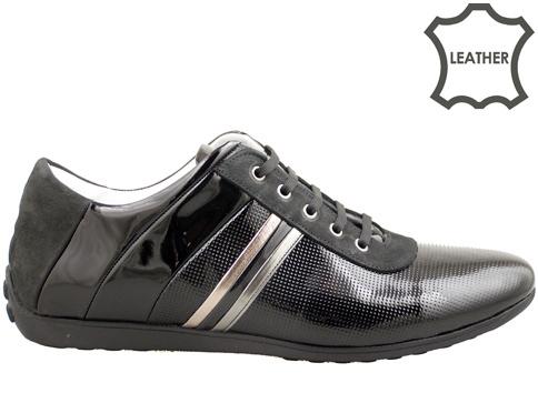 Интересен и оригинален модел мъжки обувки с връзки, изработени от естествен черен лак 1084lch
