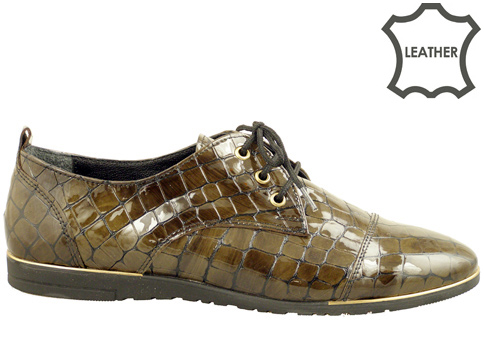 Равни дамски обувки, изработени от естествен кроко лак 605234klz