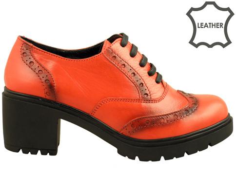 Атрактивни дамски обувки на високо ходило - уникален модел от естествена кожа с връзки и швейцарска перфорация m1450chv