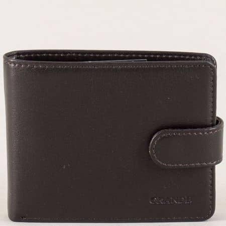 Мъжки портфейл в тъмно кафяво със закопчалка p515k