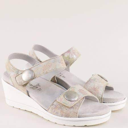 Бежови дамски сандали на клин ходило с две лепки rosa03ps