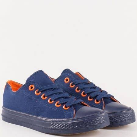 Практични дамски кецове с връзки в син цвят с елементи в оранж s625s