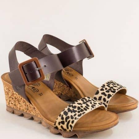Кожени дамски сандали в тъмно кафяво на клин ходило- TAKEME t203kps