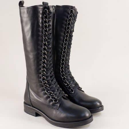 Черни дамски ботуши на равно ходило от естествен материал top145ch
