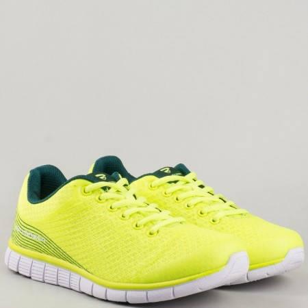 Дамски комфортни маратонки с връзки и мрежичка в жълт цвят v61179-40z