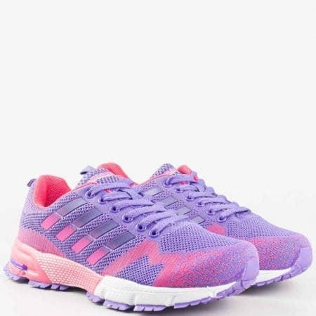 Модерни дамски спортни обувки с връзки в лилаво и розово v61182-40l
