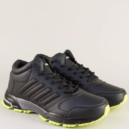 Спортни мъжки обувки с връзки в черно и зелено v72193-45chz