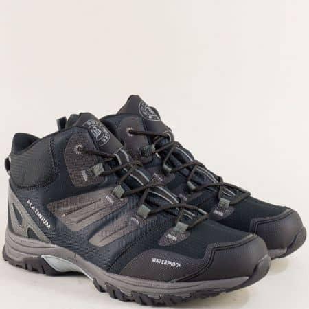 Спортни мъжки обувки в сиво, синьо и черно v82059-45chsv
