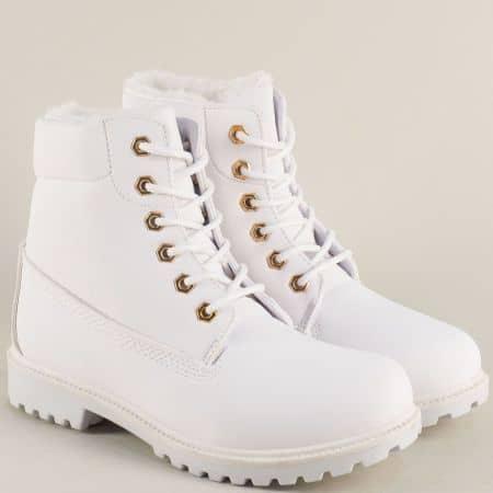 Бели дамски боти на комфортно и стабилно ходило с връзки xby04nb