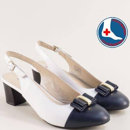 Кожени дамски обувки в бяло и синьо на среден ток z1225bs
