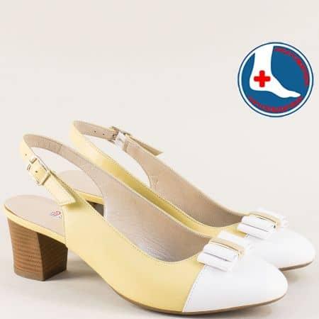 Кожени дамски обувки на среден ток в бяло и жълто z1225jb