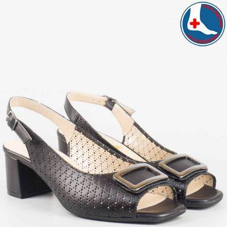 Стилни дамски сандали на среден ток в черен цвят с кожена ортопедична стелка- Naturelle от перфорирана естествена кожа  z1904ch