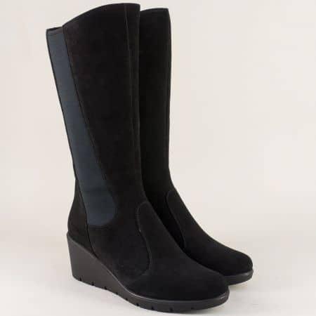 Велурени дамски ботуши на клин ходило в черен цвят z191707vch
