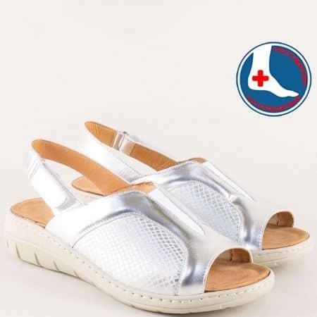 Сребърни дамски сандали с велкро лента на платформа  z2169sr