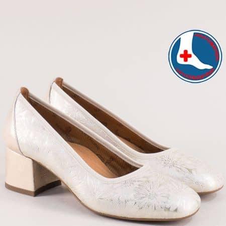 Златни дамски обувки на среден ток от естествена кожа zlilazlrz